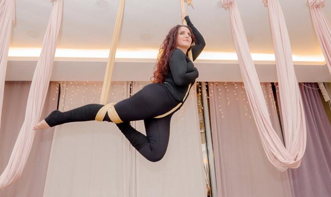 Saudi trapeze artist has soaring success with aerial yoga business | Arab  News PK